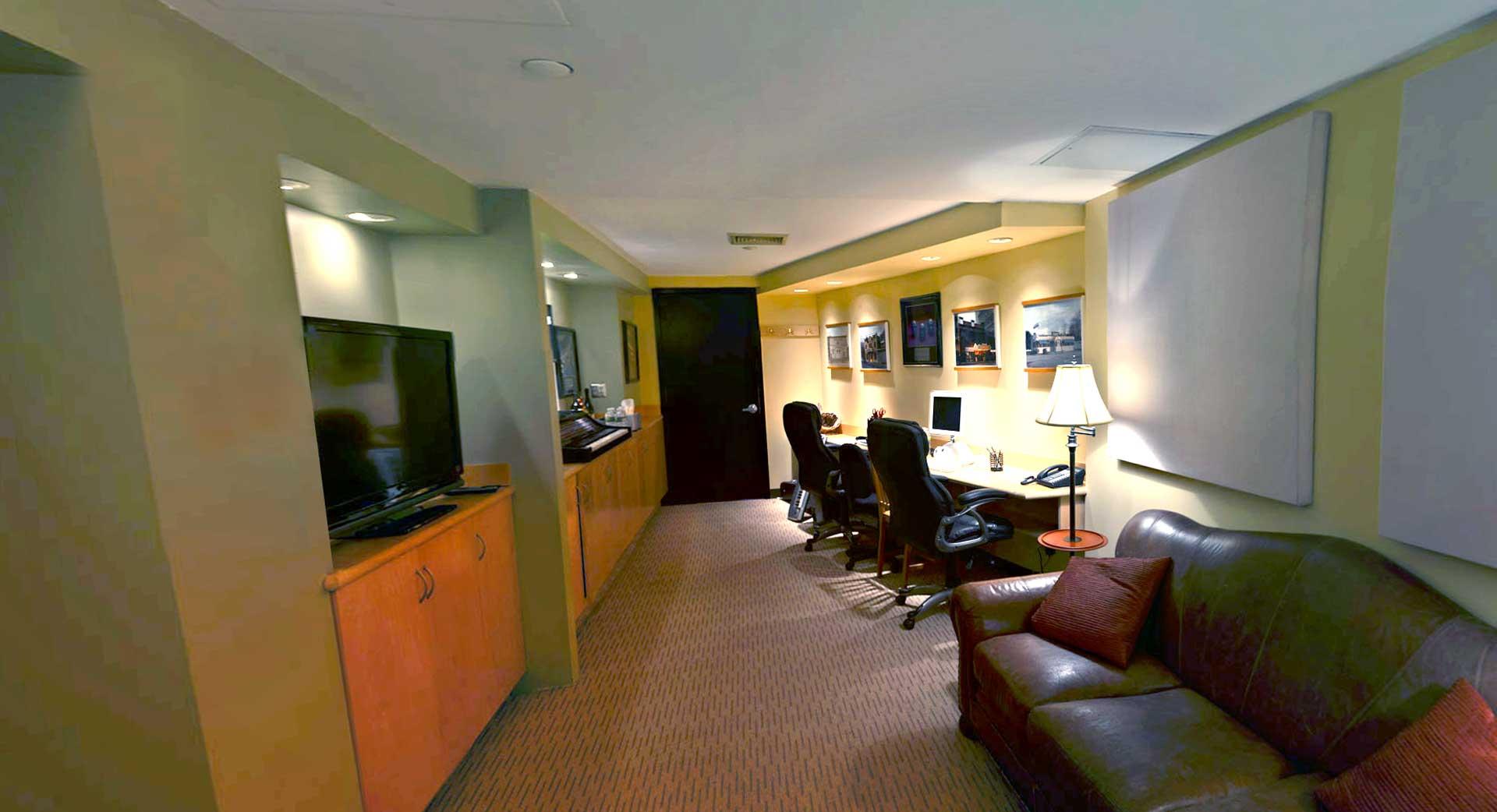 Studio I Lounge